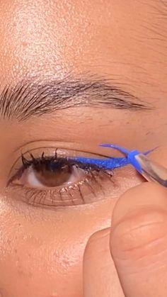 Dope Makeup, Edgy Makeup, Makeup Eye Looks, Eyeliner Looks, Eye Makeup Art, Blue Eye Makeup, Makeup Tutorial Eyeliner, No Eyeliner Makeup, Skin Makeup