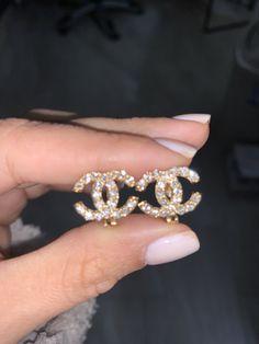 Pebble Stud Earrings in Sterling Silver, sterling silver circle earrings, silver earrings, sterling silver earrings, stud earrings - Fine Jewelry Ideas Cute Jewelry, Body Jewelry, Beaded Jewelry, Jewelry Accessories, Fashion Accessories, Fashion Jewelry, Diamond Jewelry, Chain Jewelry, Dainty Jewelry