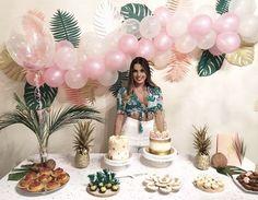 Super ideas for party table cloth birthday Birthday Party Table Decorations, Tropical Party Decorations, Birthday Party Tables, Birthday Party For Teens, Party Themes, Ideas Party, Themed Parties, Hawaiian Birthday, Flamingo Birthday