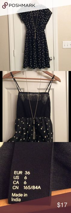 Pretty polka dot dress In great condition, looks new, has lace lining at front with adjustable straps, SIZE 6 on tag, runs smaller, posting as SMALL , 37 inches long, 34 inches between arms + stretch H&M Dresses Midi