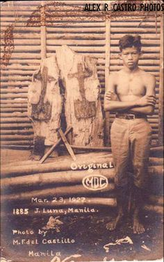 Kambal na Krus (Tondo, Manila) - On March 23, 1922, Crispino Lacandaso was chopping wood from a felled, century-old sampalok tree on a vacant lot at 1885 Juan Luna Street, Gagalangin, Manila. After much difficulty, the young laborer managed to cleave the trunk in two. To his amazement, he saw a dark cross on a base, imprinted on both halves of the wood.
