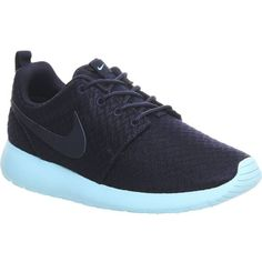NIKE Roshe run trainers ($110) ❤ liked on Polyvore featuring shoes, sneakers, midnight navy, laced shoes, grip trainer, lacing sneakers, round cap and nike sneakers