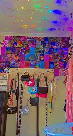Indie Bedroom, Indie Room Decor, Cute Room Decor, Retro Room, Vintage Room, Room Ideas Bedroom, Bedroom Decor, Bedroom Inspo, Chambre Indie