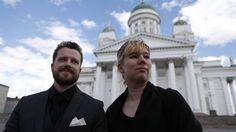 Varapuheenjohtajamme Saana ja hallituksen jäsen Vesa-Pekka edustustehtävissä presidentti Koiviston hautajaisissa.