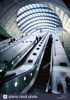 canary-wharf-docklands-london-underground-station-jubilee-line-escalator-AA5E13.jpg (962×1390)