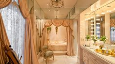 Joan Rivers' bathroom in NYC Apartment