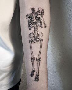 Skeleton Tattoos, Skull Tattoos, Body Art Tattoos, Sleeve Tattoos, Tattoo Art, Party Tattoos, Mini Tattoos, Cute Tattoos, Vine Foot Tattoos