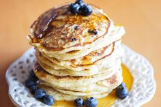 no - 4 ulike oppskrifter Blueberry Pancakes, Pancakes And Waffles, Norwegian Food, Norwegian Recipes, Crepes, Meatloaf, Nutella, Cake Recipes, Bakery