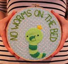 An embroidery/applique featuring the worm from the cartoon Adventure Time! This scene is what inspired the hoop: [link] The worm was. No worms on the BED Adventure Time Room, Adventure Time Parties, Adventure Time Ending, Adventure Time Crafts, Marceline, Abenteuerzeit Mit Finn Und Jake, Finn The Human, Jake The Dogs, Worms