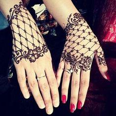 Henna lace glove