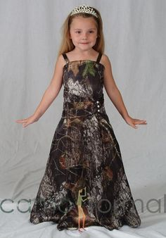 I would love to have this dress for the flower girls @ my wedding and have a purple belt on it. and sparked on the dress