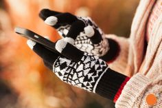 These Aztec print texting gloves are $1.99 at pickyourplum.com during our Christmas in July Event! Don't miss this great deal! Great gift idea for the cold months that are just around the corner.
