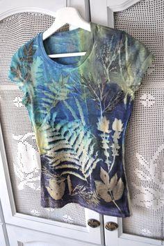 Sun Painting, Fabric Painting, Fabric Art, Natural Dye Fabric, Natural Dyeing, Paisley Art, Creative Textiles, How To Dye Fabric, Tye Dye