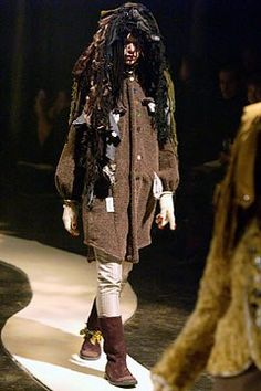 Undercover Fall 2004 Ready-to-Wear Fashion Show Collection The Soloist, Fashion Show Collection, Undercover, Cool, Ready To Wear, Fur Coat, Vogue, Punk, How To Wear