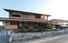 Tirolia Holzhaus tirolia blockhaus holzhaus design mit stein architecture