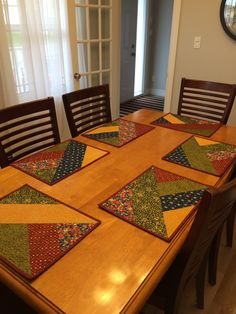 Placemats for craft crawl Table Runner And Placemats, Table Runner Pattern, Quilted Table Runners, Quilted Placemat Patterns, Quilt Patterns, Place Mats Quilted, Jellyroll Quilts, Table Accessories, Mug Rugs