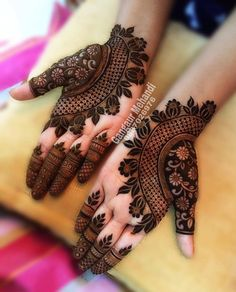 Best 11 Mehndi henna designs are always searchable by Pakistani women and girls. Women, girls and also kids apply henna on their hands, feet and also on neck to look more gorgeous and traditional. Henna Hand Designs, Dulhan Mehndi Designs, Mehandi Designs, Mehndi Designs Finger, Latest Bridal Mehndi Designs, Mehndi Designs For Girls, Mehndi Designs For Beginners, Modern Mehndi Designs, Mehndi Design Photos
