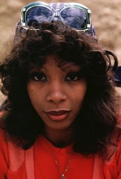 Donna Summer poster, mousepad, t-shirt, Vintage Black Glamour, Vintage Beauty, Dona Summer, 1970s Hairstyles, Summer Poster, Black Image, Picture Outfits, Celebs, Celebrities