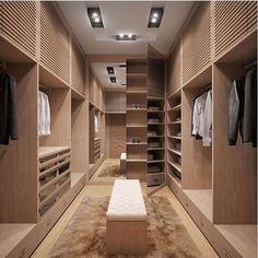 Eu só queria um closet assim, nunca pedi nada  (autoria desconhecida) via: Decora Mundo | @decoreinteriores.