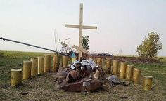 Sobiratel.Net @Sobiratel_net   Украинские десантники поставили на Саур-Могиле памятник погибшим воинам... pic.twitter.com/OuA7wnDQjf