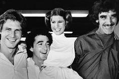 """Carrie Fisher retoma su papel de la princesa Leia en """"Star Wars VII"""", nueva entrega de la franquicia galáctica. Admite que le gustaría volver a lucir su viejo peinado """"pero con el pelo blanco"""". También están presentes Harrison Ford y Mark Hamill."""