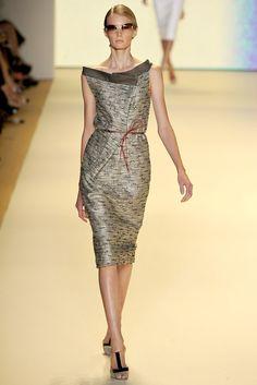 Carolina Herrera Spring 2011 Ready-to-Wear Fashion Show - Sigrid Agren