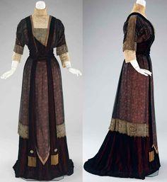 Dinner dress, Redfern, 1909-1911. Silk and metal. Metropolitan Museum of Art