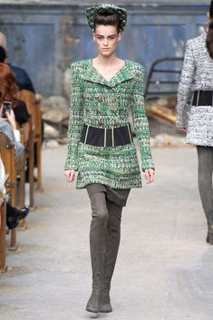 See the complete Chanel Fall 2013 Couture collection.