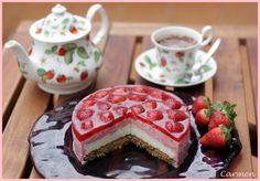 Tarta de fresa y chocolate blanco.