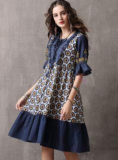 Shop Square Neck Flare Sleeve Splicing Print Shift Dress at EZPOPSY. Petite Dresses, Linen Dresses, Swing Dress, Dress Skirt, Ethnic Print, Straight Dress, Abaya Fashion, Fashion Colours, Summer Dresses For Women