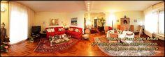 Milano, zona Via Novara, 5 locali, 175 mq c.a. composto da doppio ingresso, salone doppio, cucina abitabile, 3 camere, 1 studio, 3 bagni, 2 balconi, cantina, ristrutturato da architetto, piano alto panoramico.  Classe energetica F, IPE 159,01 Kwh/mq/anno  Prezzo: €660.000