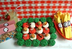 Memorial Day/Cookout Cupcakes with Picnic Printables