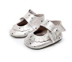 Baby girl silver soft moccasins Babies genuene by RemoliStudio
