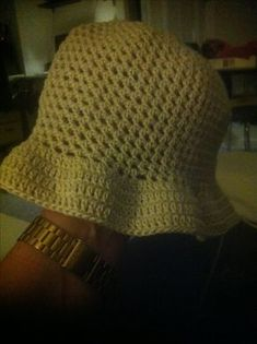 Hæklet sommerhat str. ca. 40 (46) 52 (58) cm hoved... Crochet Shawl, Free Crochet, Knit Crochet, Knitting Patterns, Crochet Patterns, Dk Weight Yarn, Triangle Scarf, What's Your Style, Wave Pattern