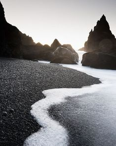 Reynisfjara Beach, Iceland looks so amazing