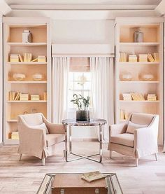 Blush from top to bottom! A monochromatic room done right is as elegant and chic as it gets. 📷: @lindsaysilb via @verandamag #cwinspiration