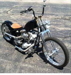 Harley Davidson News – Harley Davidson Bike Pics Harley Bobber, Harley Davidson Chopper, Harley Bikes, Classic Harley Davidson, Bobber Bikes, Old Motorcycles, Bobber Motorcycle, Cindy Lauper 80s, Custom Street Bikes