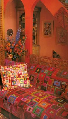 Wouldn't it be great to have a home filled with needlepoint chairs, knitted throws and crochet curtains? And flowers and books! And animals. Interior Flat, Interior Ideas, Interior Design, Bohemian Decor, Bohemian Furniture, Bohemian Style, Gypsy Decor, Bohemian Lifestyle, Art Furniture