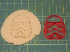 Made of PLA plastic. This cutter measures tall by 3 wide. No returns unless damaged in transit. *Colors may vary. Instructions for Use: Star Wars Cookie Cutters, Star Wars Cookies, Gadget, Captain America Party, Cookie Decorating, Handmade Gifts, Starwars, Prints, Fun