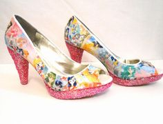 Des #shoes Sailor moon qui tue => Sailor Moon Glitter Heels by quirkyfoxdesigns on Etsy, $85.00