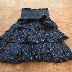 Very cute and comfortable halter top dress Very cute summer dress blue with designs comes with a black belt halter type dress. Old Navy Dresses