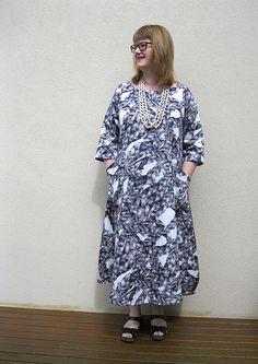 Tessuti Lily Linen Dress in fabric from Darn Cheap Fabrics - via thornberry,wordpress.com