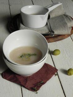 Zuppa di fagioli con salsa di olive