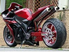 Yamaha R1 Custom red #supermotos #superbikes #moto