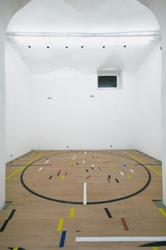 #Tony Cragg does a basketball court?