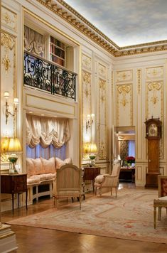 The ceiling looks like a sky. Joan Rivers NYC apt. ~Grand Mansions, Castles, Dream Homes & Luxury Homes ~Wealth and Luxury