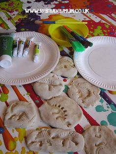 DIY Dinosaur Fossils to make with the kids using a simple recipe for the fossil dough.