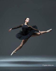 © Gene Schiavone Claudia Suárez, Arts Ballet Theatre of Florida, North Miami Beach, Florida, US