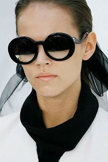 e0eb2ca2dbab I think these Chanel half-tint sunglasses are a beautiful design. They are  simplistic