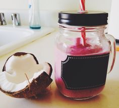 Frozen Berries Coconut Smoothie --> Recipe please visit http://easydetoxjuice.tumblr.com #detox #smoothie #weight #loss